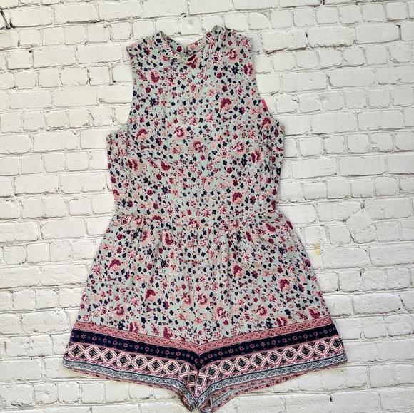 Xhilaration Pants - Xhilration Floral Sleeveless Shorts Romper
